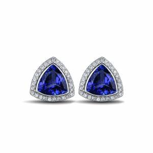 Tanzanite stud earrings in 18k Gold with diamonds