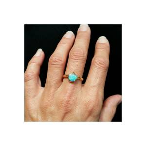Natural opal in 18k gold ring from Australia