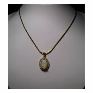 Fine quality opal pendant for women from Australia