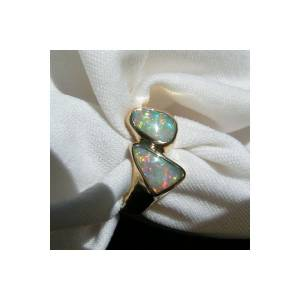 Handmade opal ring in solid gold for sale