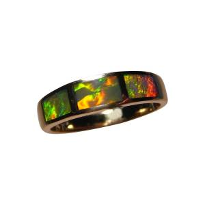 Opal Ring 14k Gold Three Inlaid Stones